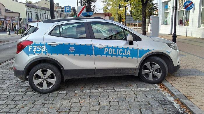 Policja Mińsk Maz.: Nielegalny pobór prądu, nielegalne automaty do gier hazardowych i poszukiwany mężczyzna